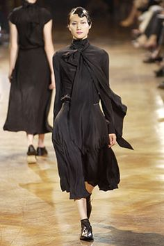 Yohji Yamamoto | Spring 2003 Ready-to-Wear Collection | Style.com