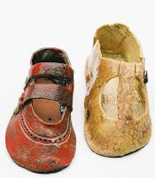 The Art Office: Jenny Stolzenberg Shoe Artist Ceramic shoes made to commemorate people lost in the Jewish Holocaust WW2.