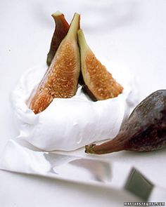 figs in meringue