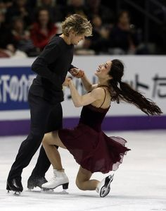 LONDON, CANADA - MARCH 16:  Meryl Davis and Charlie White of the United States skate in the Ice Dance Free Dance Program during the 2013 ISU World Figure Skating Championships at Budweiser Gardens on March 16, 2013 in London, Ontario, Canada.