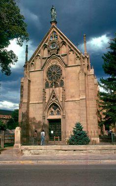 Loretto Chapel Santa Fe, New Mexico. New Mexico Santa Fe, New Mexico Usa, Loretto Chapel, Travel New Mexico, Mexico Style, Take Me To Church, Santa Fe Style, Land Of Enchantment, Old Churches