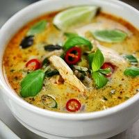 Thai chicken curry soup with basil and lime Asian Recipes, Healthy Recipes, Ethnic Recipes, Thai Food Recipes, Healthy Soup, Delicious Recipes, Thai Chicken Recipes, Recipe For Thai Food, Milk Recipes
