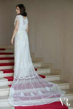 20 Art Deco Wedding Dresses With Gatsby Glamour