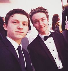 Tom Holland and Haz Osterfield. Harrison Osterfield, Tom Holland Peter Parker, Men's Toms, Tom S, Hollywood, Most Beautiful Man, Favorite Person, To My Future Husband, Cute Guys