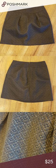 Gold embroidered skirt, size 8P Classy for work or going out for a night on the town, this gold embroidered skirt matches with almost any piece! Condition is perfect, never been worn. LOFT Skirts A-Line or Full