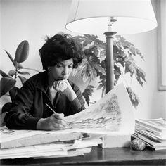 Leonor Fini at work.