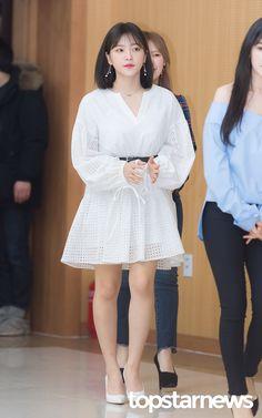 Seulgi, Stage Outfits, Casual Outfits, Red Velet, Kim Yerim, Korean Celebrities, Kpop Girls, Korean Fashion, Red Carpet