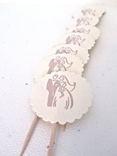 wedding cupcake toppers #paper #weddings