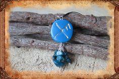 """Porte-clé runique porte-bonheur """"Gibu Auja"""", de couleurs bleu et argenté : Porte…"""