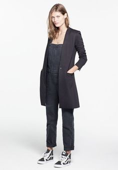 overalls and tailored coat 😍