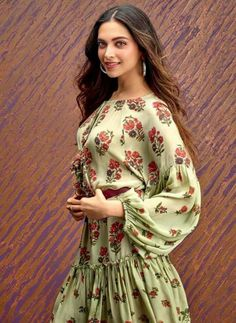 UHQ Bollywood Celebrity Random Pictures - Page 2986 Deepika Ranveer, Deepika Padukone Style, Aishwarya Rai, Bollywood Stars, Bollywood Fashion, Bollywood Images, Bollywood Celebrities, Bollywood Actress, Bollywood Couples