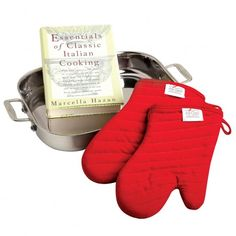 Stainless steel lasagna pan with two oven mitts and a cookbook. Product: Lasagna pan, cookbook and 2 oven mittsConstruction Material: Stainless steelColor: Silver and red Tidy Kitchen, Kitchen And Bath, Kitchen Dining, Kitchen Stuff, Cookware Set, Lasagna Pan, Making Lasagna, Steel Stock, Gourmet