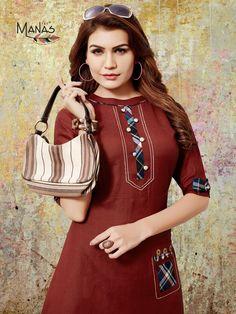 Fancy Dress Design, Stylish Dress Designs, Stylish Dresses, Plain Kurti Designs, Salwar Designs, Kurti With Jacket, Fancy Kurti, Pearl Necklace Designs, Party Wear Kurtis