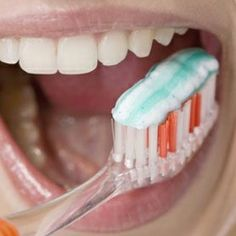 HOW TO KILL BACTERIA ON YOUR TOOTHBRUSH