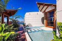 paisagismo-de-sa-estilo-tropical-pelo-designer-de-interiores-mark-gaces
