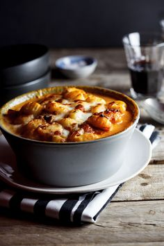 Baked gnocchi with bacon, tomato and mozzarella - I need to eat this NOW! I may print and eat the picture