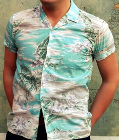 Loving this vintage Hawaiian shirt - perfect for summer and the trend is set to continue next year.