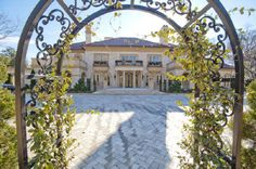 Alright $20,000,000 mansion... you can be my future home.