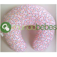 Cojín de lactancia. Permite colocar al bebé a la altura ideal para darle el pecho y así aliviar la espalda de la mamá.    http://www.mundobebes.net/Producto/3084/Cojin-lactancia-Andu-Modin-Rosa