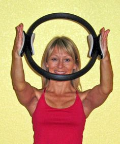 Upper Body Toning Exercises with the Pilates Ring: Using the Pilates Ring (Magic Circle) Here is a set of the upper body toning exercises done with the Pilates ring. Learn simple exercises to tone your arms, chest, back, and shoulders. Pilates Ring Exercises, Pilates Workout Routine, Pilates Moves, Scoliosis Exercises, Toning Workouts, Pilates Reformer, Easy Workouts, Workout Videos, Pop Pilates