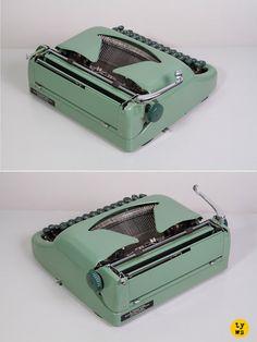 1950's Erika model 10 Typewriter. Elite typeface.