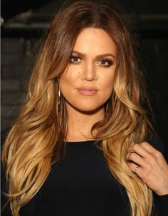 luzesTortoiseshell hair ou luzes efeito tartaruga-Khloé Kardashian's