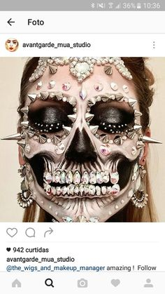 Talented Mixed Media Makeup Artist Transforms Her Own Face Into Gorgeous Decorative Skulls halloweenmakeup Dead Makeup, Crazy Makeup, Media Makeup, Makeup Art, Sfx Makeup, Makeup Ideas, Halloween Kostüm, Halloween Face Makeup, Halloween Costumes