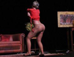 ITA NEWS: Andressa Urach faz striptease em cima do palco e d...