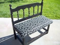 Bench made from a twin headboard. Recycled Furniture, Refurbished Furniture, Sofa Furniture, Furniture Projects, Furniture Plans, Painted Furniture, Furniture Design, Recycled Wood, Modern Furniture