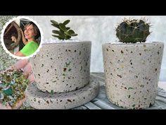 DIY - VASO DE CIMENTO E CACOS DE VIDRO: CONCRETO GRANILITE - YouTube Diy Cement Planters, Cement Flower Pots, Concrete Cement, Cement Crafts, Planter Pots, Beton Design, Papercrete, Cd Crafts, Growing Greens