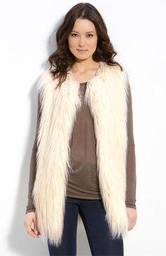 i <3 white fur