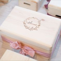 Personalised Wooden Box, Wooden Gift Boxes, Wood Gifts, Wooden Crafts, Paper Crafts, Romantic Dinner Tables, Photographer Packaging, Bamboo Box, Baby Favors