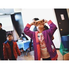 An awesome Virtual Reality pic! So virtual reality with Latino Techies at Cultura in Pilsen #latinotechies #culturainpilsen #virtualreality #tech #latino #dontlookdown #vr #vscocam #vsco #oculus #pilsen #tech #familia by carofotos9 check us out: http://bit.ly/1KyLetq