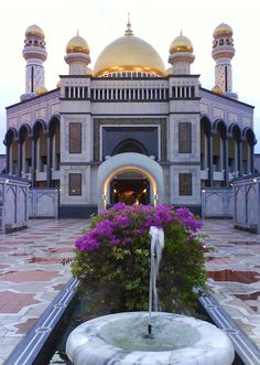 Architecture Discover Jame Asr Masjd in Brunei Mosque Islamic World Islamic Art Islamic Architecture Art And Architecture Temples Bandar Seri Begawan Beautiful Mosques Grand Mosque Famous Places Mosque Architecture, Art And Architecture, Ancient Architecture, Islamic World, Islamic Art, Brunei, World's Most Beautiful, Beautiful Places, Temples
