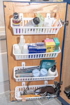 Trendy Bathroom Organization Diy Storage Under Sink Ideas Bathroom Sink Organization, Sink Organizer, Small Bathroom Storage, Diy Organization, Bathroom Ideas, Bathroom Cabinets, Organized Bathroom, Kitchen Storage, Design Bathroom