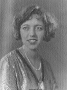 Mother of Vicki Ware Cheesman.  Photo taken in Hollywood CA, Dec. 1926.  Aileen was born Apr. 26, 1902 in Cambridge, MA and died Jan. 27, 1998 in Reno, NV.  She was married to Edmund Harrison Cheesman.