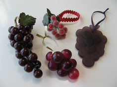 Day A cluster of grapes Jessie Tree Ornaments, Advent Calendars, Great Gifts, Fruit, Ideas, Thoughts