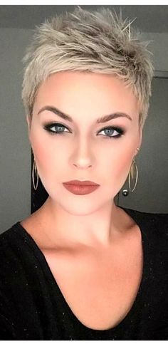 Amazing short blonde pixie haircut - All For Hairstyles Blonde Pixie Haircut, Short Blonde Pixie, Short Grey Hair, Very Short Hair, Short Pixie Haircuts, Short Hair Cuts For Women, Pixie Hairstyles, Short Hairstyles For Women, Gray Hair
