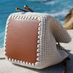 Crochet Handbags, Crochet Purses, Fabric Handbags, Handmade Handbags, Leather Bags Handmade, Bucket Bag, Homemade Bags, Crochet Purse Patterns, Crochet Market Bag