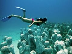 MUSA (Museo Subacuático de Arte) was formed in the waters surrounding Cancun, Isla Mujeres and Punta Nizuc. I visited Cancun and Isla Mujeres several years ago.now I'll have to go back to see this underwater museum. Under The Water, Under The Sea, Underwater Sculpture, Underwater Art, Human Sculpture, Art Sculptures, Underwater Photography, Oh The Places You'll Go, Places To Travel