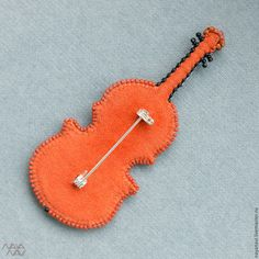 """Купить Брошь из бисера """"Скрипка"""" - коричневый, маленькая брошь, коричневая брошь, подарок музыканту, скрипка"""