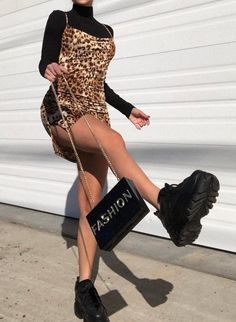 Animal prints are super trendy this summer - WOMEN OUTFITS - Casual / Elegant / Streeetwear - Mode Schuhes Mode Outfits, Casual Outfits, Fashion Outfits, Womens Fashion, Fashion Clothes, Fashion Ideas, Urban Outfits, Urban Fashion Trends, Urban Fashion Women