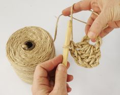 Have you noticed that natural jute decor is bang on trend right now? In this tutorial, you'll learn how to crochet the rounds and create a stunning contrast between the natural jute and metallic. Sisal, Crochet Diy, Learn To Crochet, Jute, Coaster Crafts, Wall Hanging Crafts, Weaving Art, Diy Home Crafts, Knitting Yarn