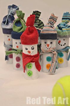 Looking for an easy and inexpensive craft idea for kids? You'll love this roundup of Christmas Toilet Paper Roll Crafts! Kids Crafts, Christmas Crafts For Kids, Christmas Activities, Preschool Crafts, Winter Christmas, Kids Christmas, Holiday Crafts, Holiday Fun, Arts And Crafts