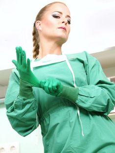 Female Surgeon, Operating Room Nurse, Pvc Apron, Beautiful Nurse, Latex Gloves, Rubber Gloves, Sexy Nurse, Female Doctor, Sexy Latex