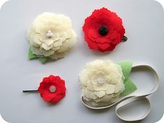I ADORE these hand-made flowers--I love to pin them on lapels---cute, cute, cute!! Look cute on a hat, too!