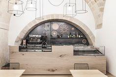 contemporary-cafe_300515_11