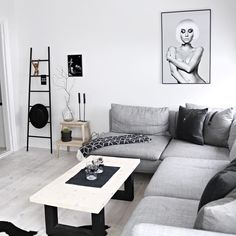 Sometimes you don't need that much color✔️ Black and white prints will make any room look good Shop posters & art prints online at www.peopleoftomorrow.no #poster #artprint #postersonline #wallart #homedecor #nordicinterior #whiteinterior #livingroominspo