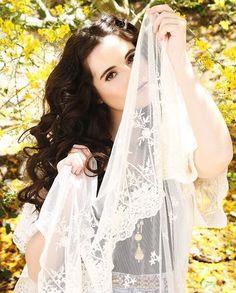 Switched at Birth Fans Vanessa Marano, Laura Marano, Hello Hair, Switched At Birth, Bare Beauty, Gilmore Girls, Celebrity Crush, Photoshoot, Wedding Dresses
