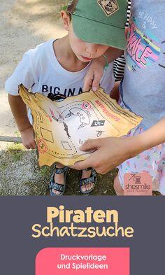 """Eine Piratenparty mit Schatzsuche auf dem Spielplatz zum 5. Geburtstag. Gestaltet mit der Druckvorlage und Spieleidee """"Schatzsuche Piraten & Schaufeln"""" von shesmil.de  Einfach. Kreativ. Basteln zum Kindergeburtstag. Geschenkideen, Spielideen und mehr für deine Piratenparty! Birthday, Simple, Game Ideas, Playground, Birthdays, Dirt Bike Birthday, Birth Day"""